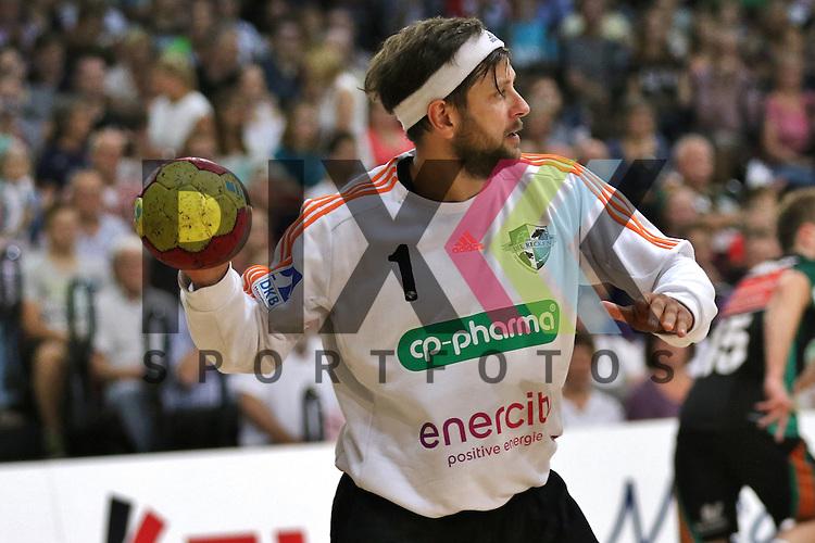 Bremen, 09.08.15, Sport, Handball, Erima-Cup 2015, MT Melsungen-TSV Hannover-Burgdorf : Martin Ziemer (TSV Hannover-Burgdorf, #01)<br /> <br /> Foto &copy; P-I-X.org *** Foto ist honorarpflichtig! *** Auf Anfrage in hoeherer Qualitaet/Aufloesung. Belegexemplar erbeten. Veroeffentlichung ausschliesslich fuer journalistisch-publizistische Zwecke. For editorial use only.