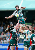 Dom Barrow of Leicester Tigers wins the ball at a lineout. Aviva Premiership semi final, between Saracens and Leicester Tigers on May 21, 2016 at Allianz Park in London, England. Photo by: Patrick Khachfe / JMP