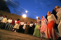 Turchia Dogubayazit (Kurdistan) Matrimonio tradizionale curdo Danza