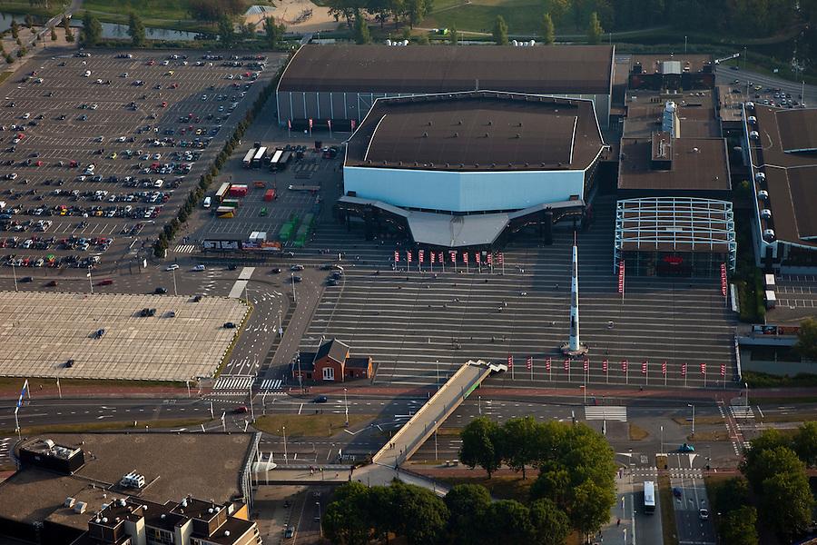 Nederland, Zuid-Holland, Rotterdam 19-09-2009; Rotterdam-Zuid, deelgemeente Charlois, Zuiderparkweg. Evenementenhal Ahoy of Ahoy Rotterdam (voorheen Sportpaleis Ahoy'), accommodatie voor beurzen, (sport)evenementen, concerten, congressen Rotterdam-Zuid district Charlois, Zuiderparkweg. Exhibition and event centre Ahoy.luchtfoto (toeslag), aerial photo (additional fee required).foto/photo Siebe Swart