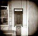 PL12309-00...MONTANA - Death by cell phone. Empty pay phone in the town of Gardner.