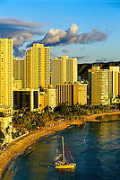 Waikiki Beach (Diamond Head crater on right), Honolulu, Oahu, Hawaii USA