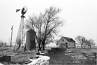 February 1983, Colorado, USA. A Colorado farm lies abandonned in the drought-stricken west. | Location: Near Campo, Colorado, USA. Image by © JP Laffont