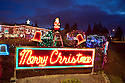 WA07267-00...WASHINGTON - House decorated for Christmas in Edmonds.