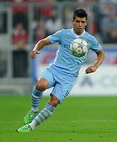 FUSSBALL   CHAMPIONS LEAGUE   SAISON 2011/2012     27.09.2011 FC Bayern Muenchen - Manchester City Sergio Agueero (Manchester City) am Ball