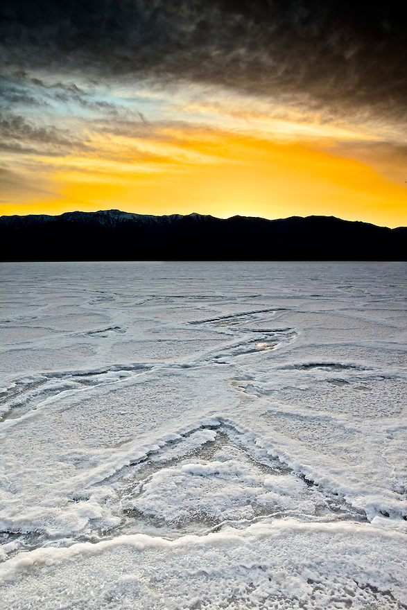 North America, USA, California, Death Valley National Park. Badwater Basin
