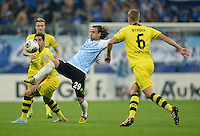 FUSSBALL   DFB POKAL 2. RUNDE   SAISON 2013/2014 TSV 1860 Muenchen - Borussia Dortmund         24.09.2013 Yannick Stark (1860 Muenchen) gegen Sven Bender (re, Borussia Dortmund) und Henrikh Mkhitaryan (li, Borussia Dortmund)