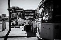 Roma 19 Giugno 2015<br /> Una coppia di sikh  aspetta il tram a piazza di Porta Maggiore<br /> Rome June 19, 2015<br /> A pair of Sikh expects the tram at Piazza di Porta Maggiore