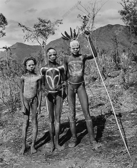 don mccullin in africa surma tribe ethiopia contact press images