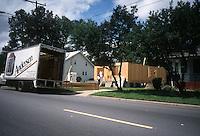 1999 June 24..Conservation.Ballentine Place..2733 BALLENTINE BLVD.CONSTRUCTION PROGRESS...NEG#.NRHA#..