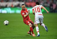 FUSSBALL CHAMPIONS LEAGUE  SAISON 2015/2016 VIERTELFINALE HINSPIEL FC Bayern Muenchen - Benfica Lissabon         05.04.2016 Franck Ribery (li, FC Bayern Muenchen) gegen Nicolas Gaitan (re, Benfica Lissabon)