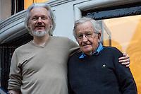 25.11.2014 - Noam Chomsky Visits Julian Assange at the Ecuadorian Embassy in London