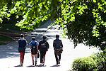Students walk down Morton Hill. © Ohio University/ Photo by Kaitlin Owens
