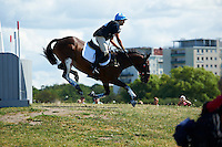 A nasty incident for Mattia Moschini (ITA) and Lord Sallyfield during the cross country test.<br />