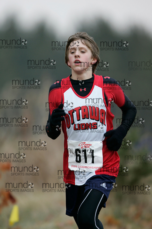 King City, Ontario ---09-11-15--- Cameron Slupieks of the Ottawa Lions Track & Field Clu competes at the Athletics Ontario Cross Country Championships in King City, Ontario, November 16, 2009..GEOFF ROBINS Mundo Sport Images