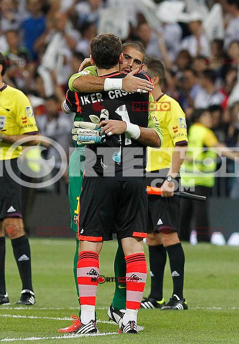 Real Madrid's Iker Casillas and Barcelona's Victor Valdes during Spanish Supercup 2nd match on august 29 2012...Photo: Cebola / Cid-Fuentes / ALFAQUI /NortePhoto.com<br /> <br /> **CREDITO*OBLIGATORIO** <br /> *No*Venta*A*Terceros*<br /> *No*Sale*So*third*<br /> *** No*Se*Permite*Hacer*Archivo**<br /> *No*Sale*So*third*