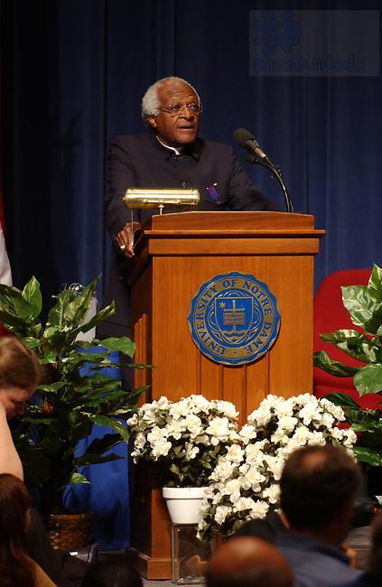 Archbishop Desmond Tutu speaks at McKenna Hall, September 2003...Photo by Matt Cashore..