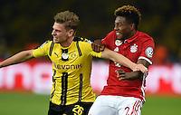 FUSSBALL  DFB POKAL FINALE  SAISON 2015/2016 in Berlin FC Bayern Muenchen - Borussia Dortmund         21.05.2016 Halten und zerren: Lukasz Piszczek (li, Borussia Dortmund)  und David Alaba (re, FC Bayern Muenchen)