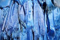 Mongolia,  tessuti azzurri,