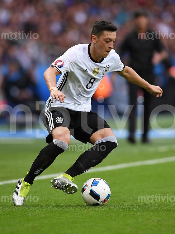 FUSSBALL EURO 2016 GRUPPE C IN PARIS Nordirland - Deutschland     21.06.2016 Mesut Oezil (Deutschland)