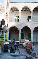 Libyan Arab Jamahiriya   .Tripoli       June 2002. The Medina, People at the bar.Libia Tripoli  Giugno 2002.La Medina,   Persone al bar.