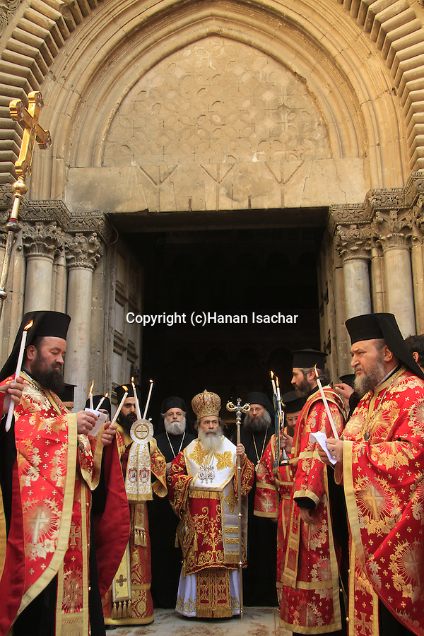 Israel, Jerusalem, Greek Orthodox Patriarch Theophilus III on Maundy Thursday ceremony at the forecourt of the Church of the Holy Sepulchre