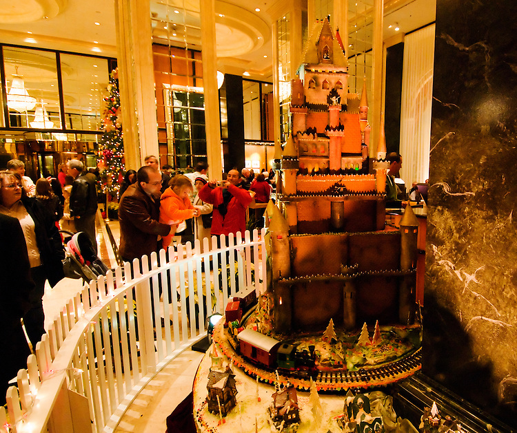 California, San Francisco:  The annual Sugar Castle at Christmas at the Westin St. Francis Hotel..Photo #:  32-casanf75935.Photo © Lee Foster 2008