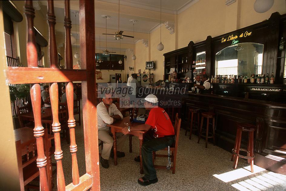 """Cuba/La Havane: Bar """"La Lluvia de Oro"""" Calle Obispo"""