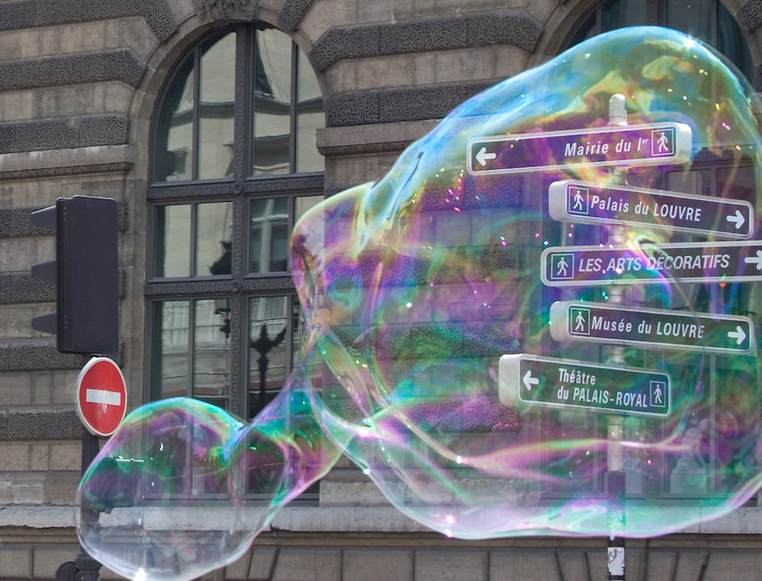 Bubble and signs in Paris