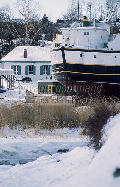 Amérique/Amérique du Nord/Canada/Quebec/Saint-Joseph-la-Rive : Vieux chantier naval sur le Saint-Laurent