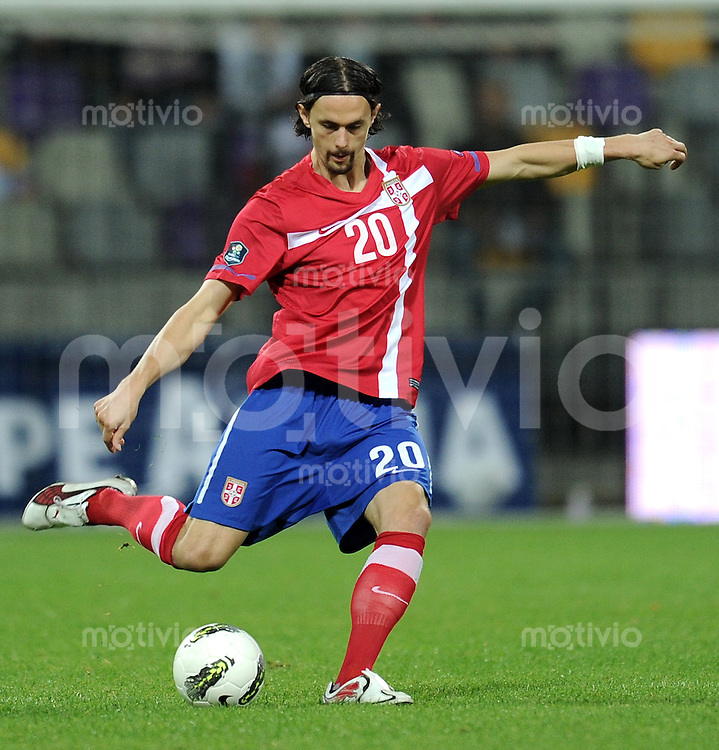 FUSSBALL INTERNATIONAL  Qualifikation Euro 2012  11.10.2011 Slowenien - Serbien Neven SUBOTIC (Serbien)