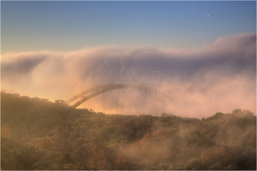 Thick fog covered the 360 Bridge on this cold December morning. Eventually, it began to evaporate, but it took a while before the Austin bridge began to show through the fog. It took much longer for the Austin skyline to show up from this vantage point.