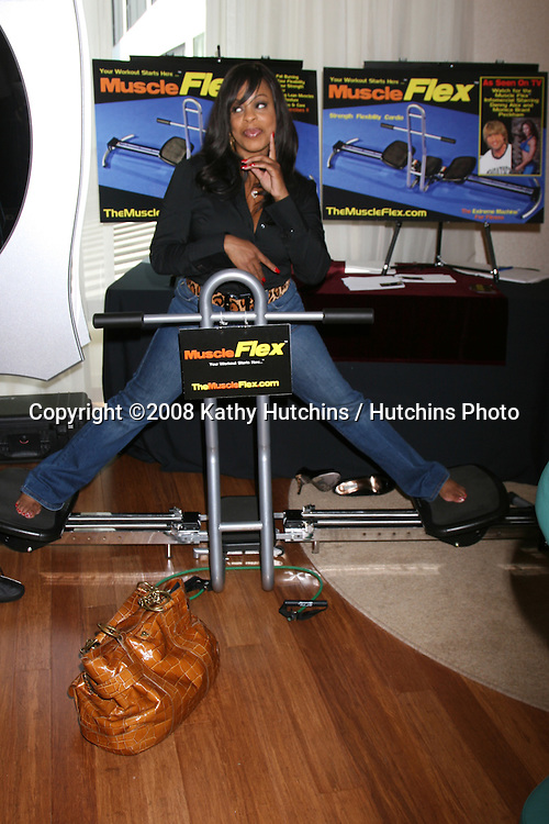 Niecy Nash.at the GBK Emmy Gifting Suites at the Mondrian Hotel  in West Los Angeles, CA on.September 19, 2008.©2008 Kathy Hutchins / Hutchins Photo....
