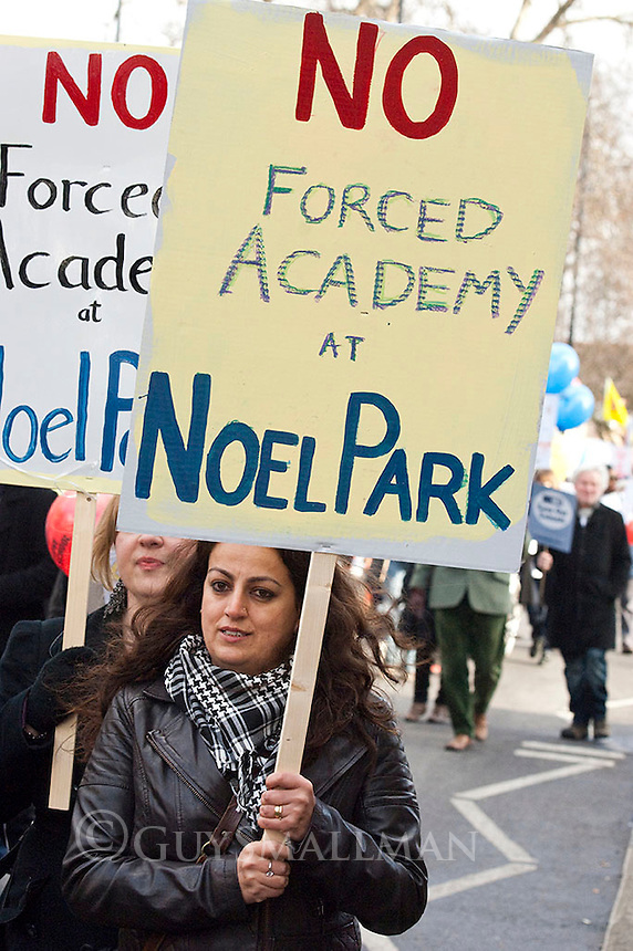 Anti School Academy Protest. Haringey. 28-1-12 Parents, pupils and teachers protest against plans by education secretary Michael Gove to turn Downhills Primary School into an Academy.