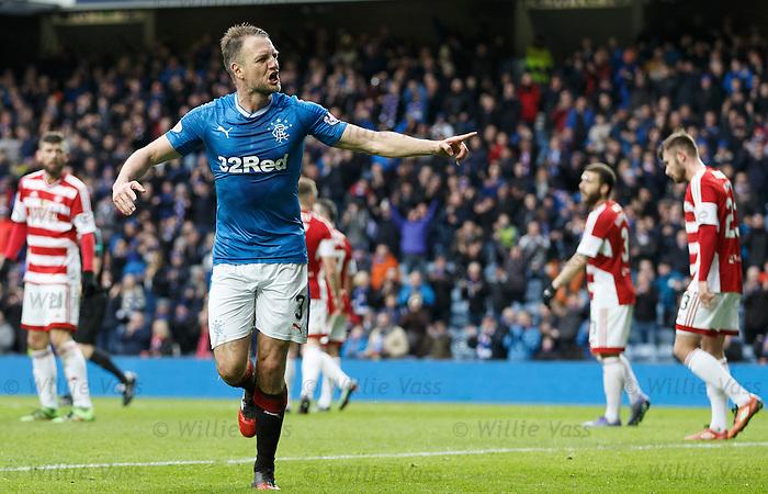 Clint Hill celebrates his goal