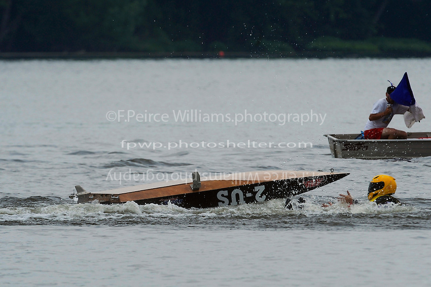 Frame 4: 2-US goes for a swim in turn one. (runabout)