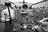 Warsaw 14 April 2010 Poland.<br /> Mourning after the crash of the plane, in which killed President Lech Kaczynski and his wife Maria<br /> (Photo by Filip Cwik / Newsweek Poland / Napo Images)<br /> <br /> Warszawa 14 kwiecien  2010 Polska.<br /> Zaloba po katastrofie samolotu, w ktorej zginal Prezydent RP Lech Kaczynski wraz z zona Maria.<br /> (fot. Filip Cwik / Newsweek Polska / Napo Images)