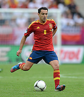 FUSSBALL  EUROPAMEISTERSCHAFT 2012   VORRUNDE Spanien - Italien            10.06.2012 Xavi Hernandez (Spanien) Einzelaktion am Ball