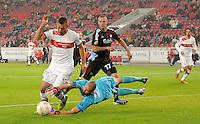 FUSSBALL   EUROPA LEAGUE   SAISON 2012/2013    VfB Stuttgart - FC Kopenhagen   25.10.2012 Tunay Torun (li, VfB Stuttgart) versucht einen Elfmeter zu bekommen gegen Torwart Johan Wiland (Mitte, Kopenhagen) und Ragnar Sigurdsson (hinten, Kopenhagen)