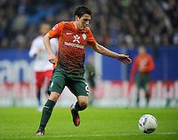 FUSSBALL   1. BUNDESLIGA   SAISON 2011/2012   22. SPIELTAG Hamburger SV - Werder Bremen       18.02.2012 Zlatko Junuzovic (SV Werder Bremen) Einzelaktion am Ball