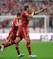 FUSSBALL   1. BUNDESLIGA  SAISON 2011/2012   7. Spieltag FC Bayern Muenchen - Bayer 04 Leverkusen          24.09.2011 Jubel nach dem Tor zum 2:0 Daniel van Buyten (FC Bayern Muenchen)