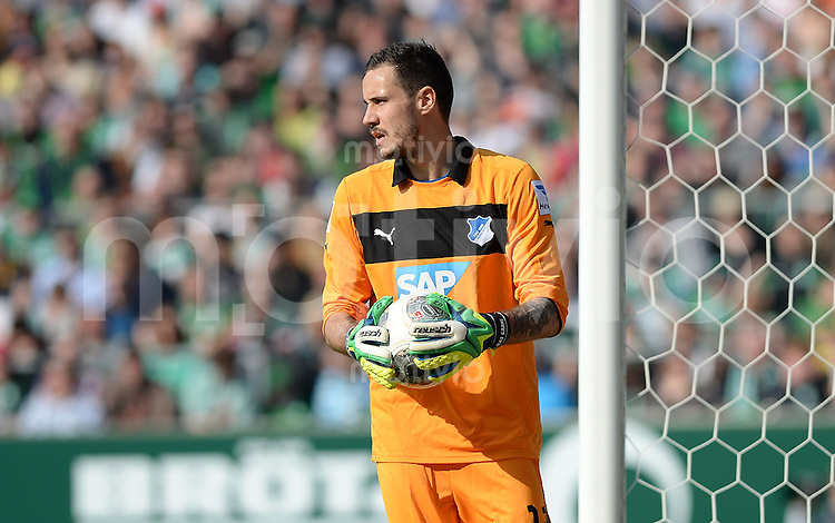 FUSSBALL   1. BUNDESLIGA   SAISON 2013/2014   31. SPIELTAG SV Werder Bremen - 1899 Hoffenhein                   19.04.2014 Torwart Jens Grahl (1899 Hoffenheim)