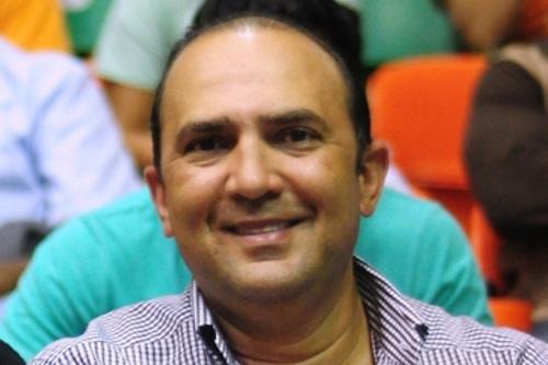 Mícalo Bermúdez, empresario santiaguense.