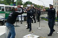 2013/05/25 Berlin | Polizei für Pfefferspray