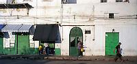 Libyan Arab Jamahiriya   .Tripoli       June 2002. The Medina.Libia Tripoli  Giugno 2002.La medina.