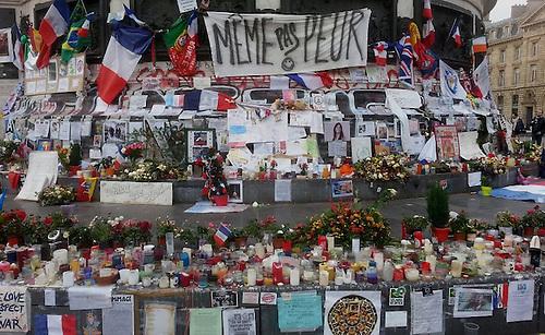 Memorial a las víctimas de los ataques terroristas, Plaza de la República, París