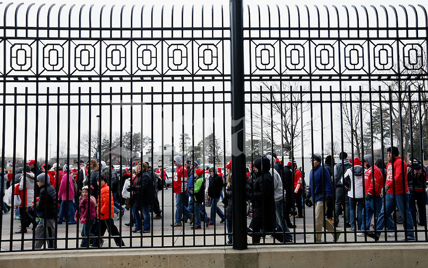 More than 40,000 fans stream out of Ohio Stadium following the celebration for winning the national championship on Jan. 24, 2015. (Adam Cairns / The Columbus Dispatch)