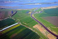 Pinnau Zufluss in die Elbe: EUROPA, DEUTSCHLAND, SCHLESWIG-HOLSTEIN, (EUROPE, GERMANY), 19.04.2014: Pinnau Zufluss in die Elbe
