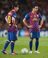 FUSSBALL   CHAMPIONS LEAGUE  HALBFINAL-RUECKSPIEL   2011/2012      FC Barcelona - FC Chelsea       24.04.2012 Lionel Messi (li,) mit Xavi Hernandez (Barca)