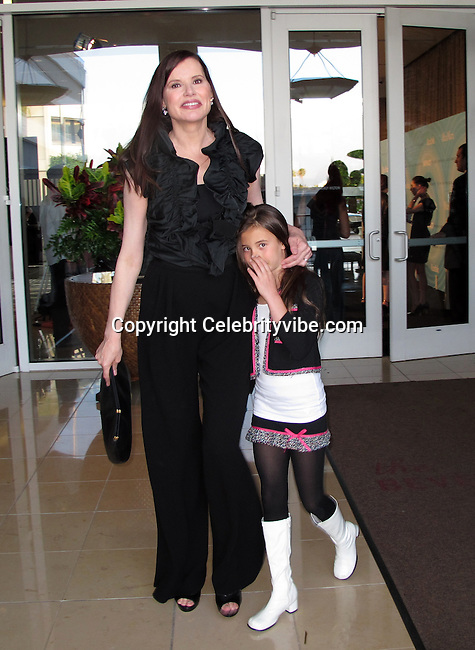 Geena Davis Daughter Images & Pictures - Findpik